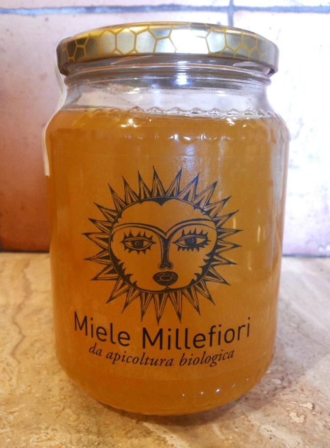 Il nostro miele millefiori bio pronto ed etichettato