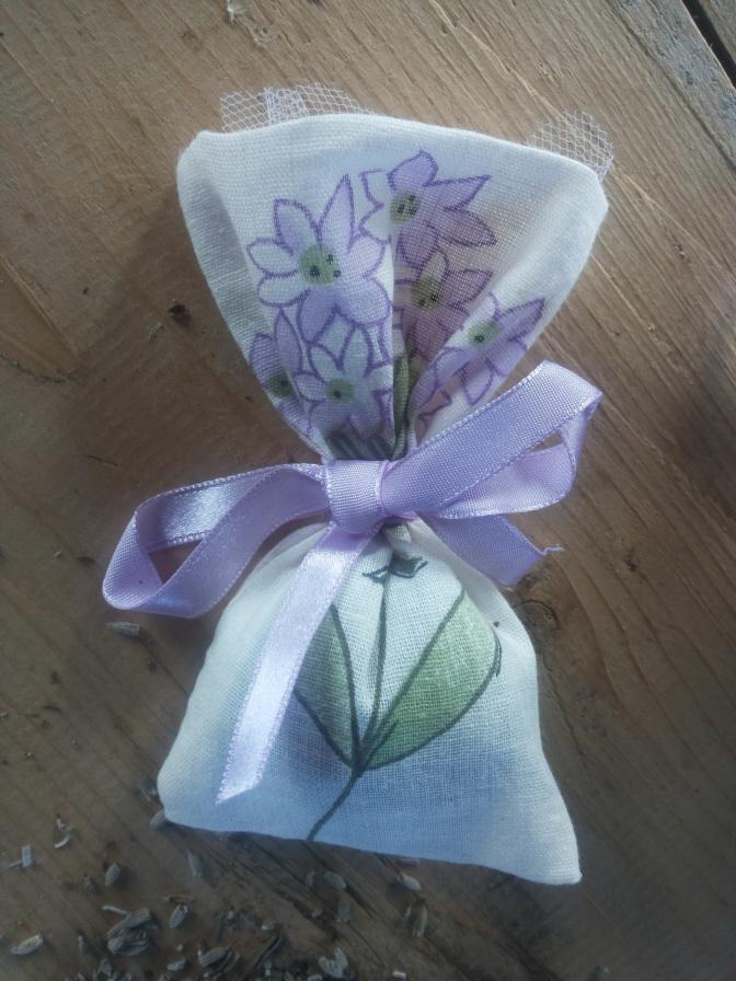 Bombolavande: sacchetti profumati con i fiori di lavanda biologica